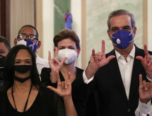Raquel Peña encabezará comisión para favorecer a personas sordomudas