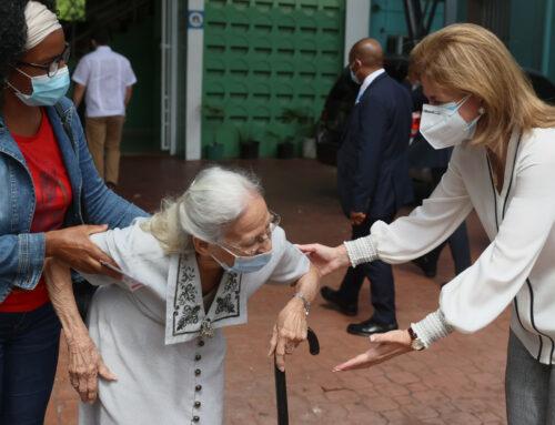 Vicepresidenta Raquel Peña supervisa ejecución del Plan Nacional de Vacunación durante Semana Santa