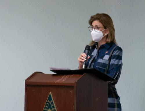 Vicepresidenta Raquel Peña encabeza acto de toma de posesión directiva de Sociedad de Médicos Pensionados del CMD