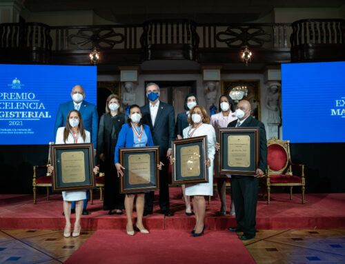 Vicepresidenta reconoce labor de maestros en tiempos de pandemia