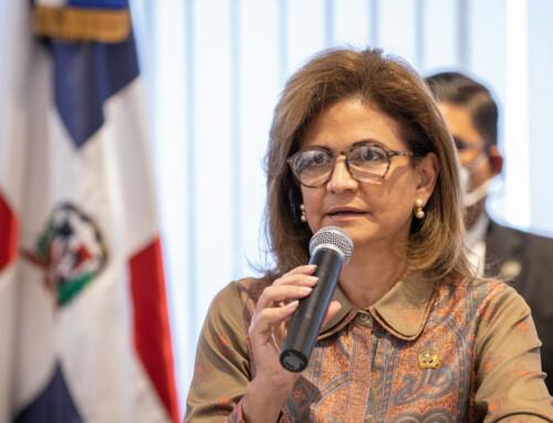 Vicepresidenta encabeza primer encuentro con partidos políticos y otros sectores