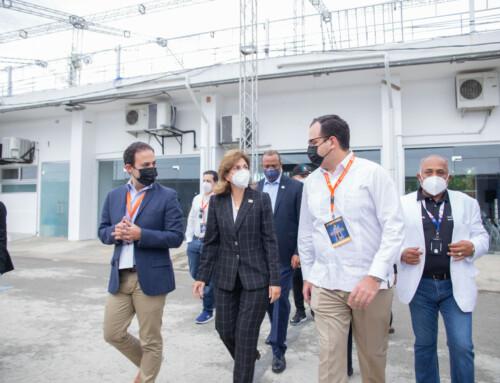 Vicepresidenta revela 340 mil personas faltan por inocularse en Santiago.
